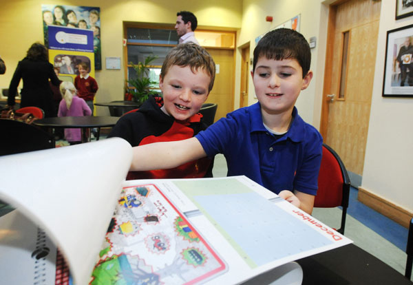 Prize winners Evan Creaven and Kevin Burke from Doora National School at the Clare Education Centre/Cuimhneamh an Chláir Christmas Folklore Education Quiz prize presentations.
