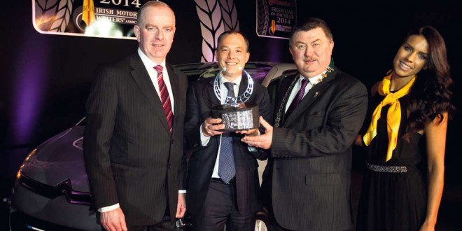 Pictured at the presentation of the Continental Irish Car of the Year trophy were Tom Dennigan, Continental Tyres Ireland, Frederic Soulier, Managing Director, Citroen Motors Ireland, Gerry Murphy, Chairman, IMWA and model Adrienne Murphy.