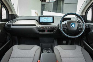 The i3 interior, showing the twin screens for information and entertainment.