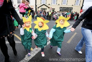Busy Bees Leah Forde, Elise Coppinger and Aideen Fogarty, all four years old. in the St Patrick's Day Parade Photograph by Arthur Ellis.