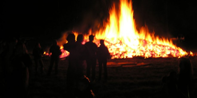 Fire Chief: bonfires a dangerous and costly tradition