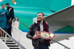 World middleweight boxing champion Andy Lee arrived back to a heroes welcome at Shannon Airport. Photograph by Sean Curtin Photo..