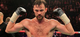 Hero's welcome for Andy Lee