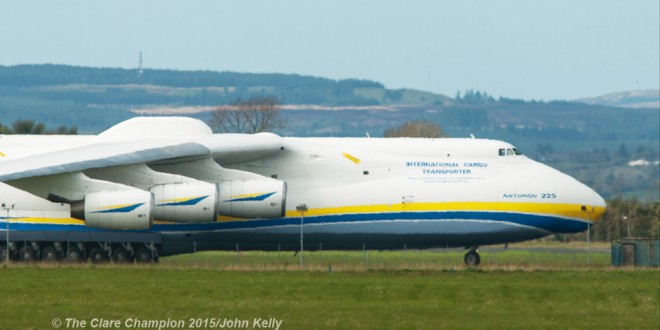 Huge crowds at Shannon to see world's biggest aircraft ...